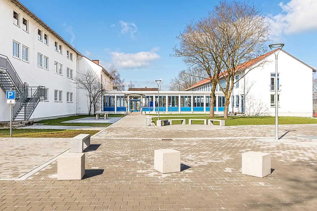 Schule Ettringen